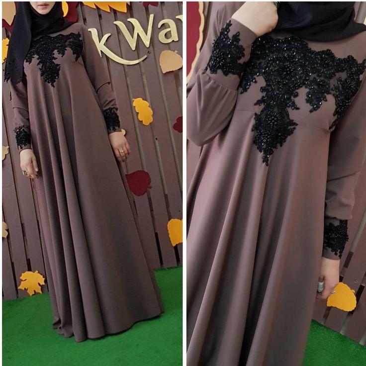 """734 Likes, 96 Comments - Для мусульманок, с любовью❤ (@asiya_salyafi) on Instagram: """"Такое вот платье есть в размере s и m на осень) Цена _ 4900 Ткань костюмка, очень мощщщная))"""""""