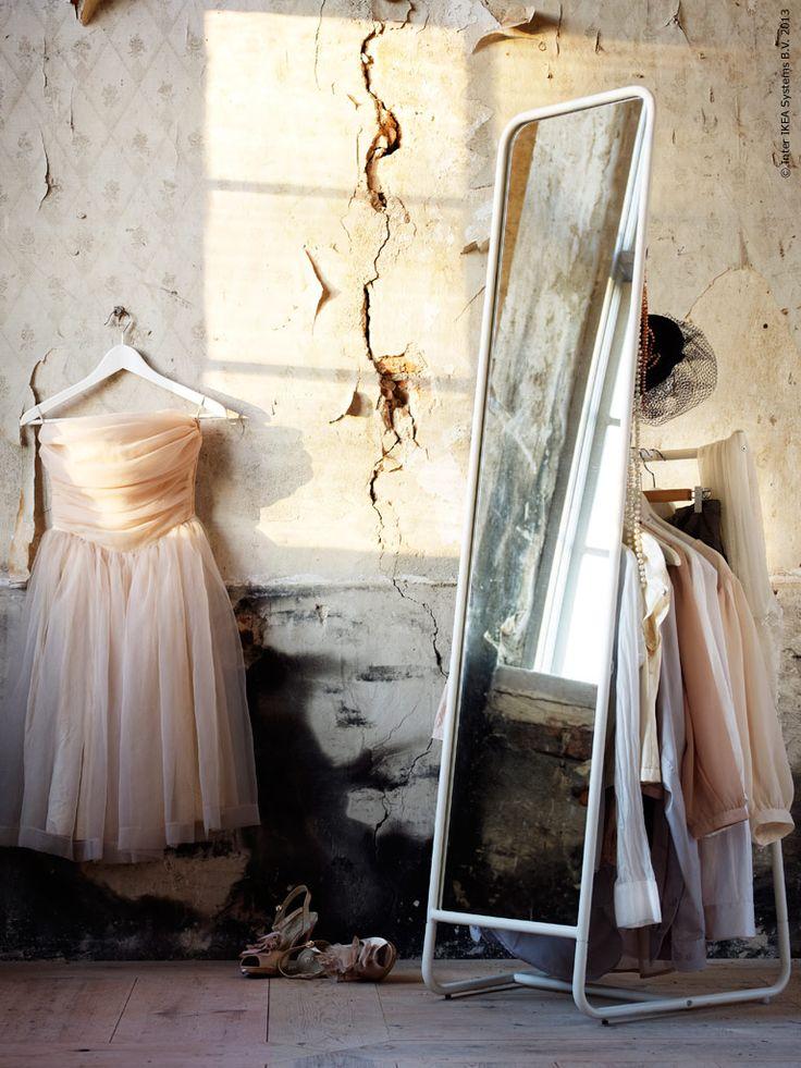 Ikea knapper floor mirror space for clothes storage on for Espejos de pared ikea