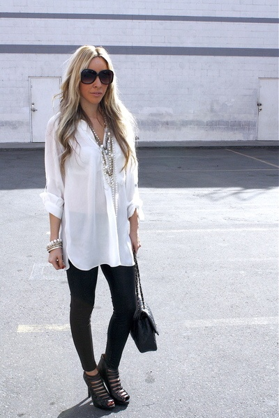 Long White Blouse & Black Leggings! What could go wrong?!