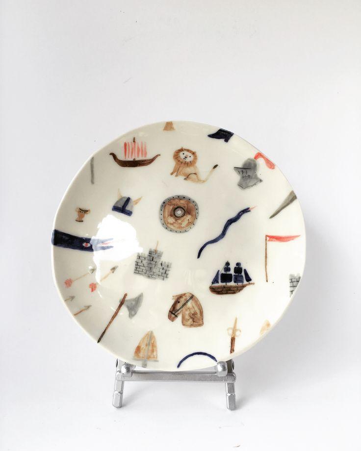 Shield Maiden Wonky Dish – Vivien Mildenberger