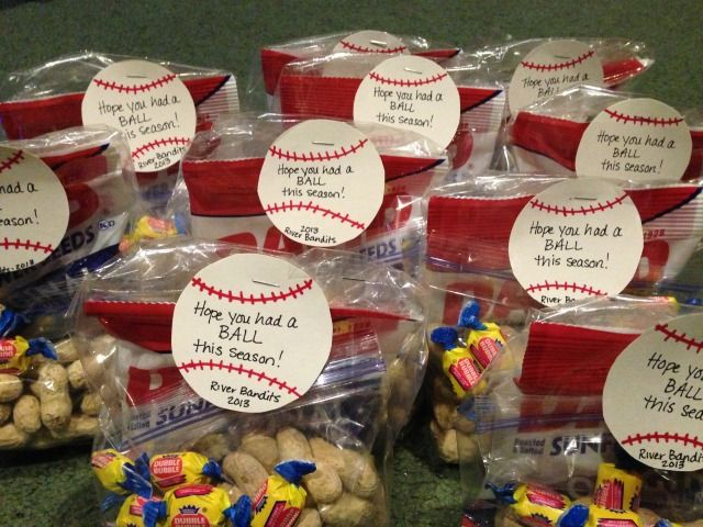 Baseball party treat bags. This would also be awesome as an end of the season gift to the players!