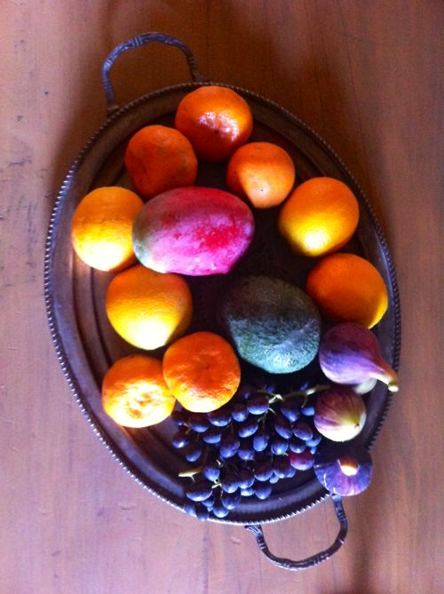 September delicacies! Our Fresh organic  palette has #grapes #mangos #oranges #mandarins #avocados and our tasty #figs