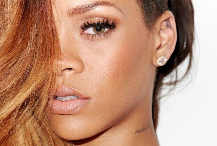 Rihanna lamenta no Twitter o assassinato de um fã brasileiro