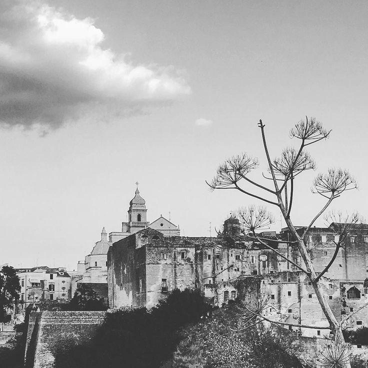 ...come se fosse la prima volta.  #gravinainpuglia   #gravinainphoto #gravinatoday #puglia #pugliamia #pugliatop #blackandwhite #landscape #landscapephotography #sky #centrostorico #lagravina #instamood #instapuglia #instapugliaphoto #igers #ig_italia #ig_puglia_ #igerspuglia #igersoftheday #instapic #picoftheday