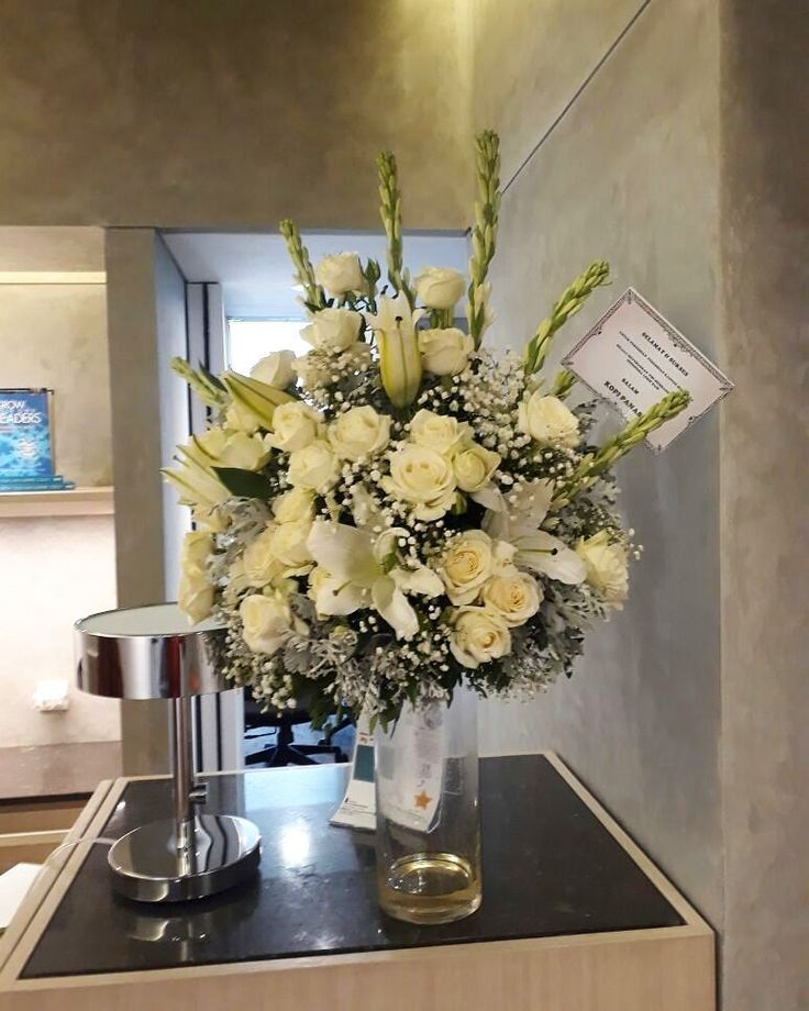 Delivery Today surabaya  table flowers for congratulations  Beautiful flowers at Nefertari Florist | Send Flowers Today Same Day Delivery Free shipping to all Indonesia . . . Fast response WA 6287883700830  #Nefertariflorist  #floristjakarta #floristbekasi #floristonline #floristsurabaya  #floristbandung #tokobungabekasi #tokobungajakarta #floristsolo #tokobungasolo #karanganbungapapan #bungapapan #floristsemarang #floristlampung #freshflowers #flowers #handbouquet #bouquet #bouquetwisuda…
