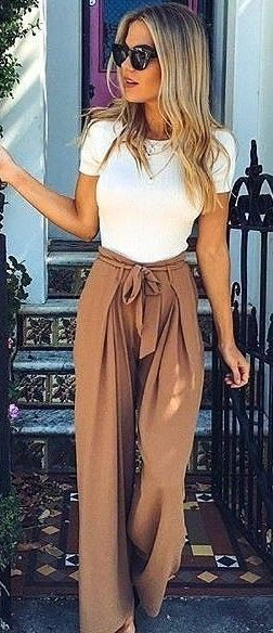 Gorgeous Fall Fashion! Love this beautiful work outfit inspiration. Wide-leg pants with a tie waist.