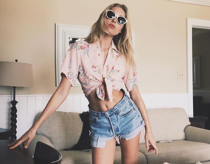 High Waisted Denim Shorts & knotted cropped Blouse | Holiday Looks