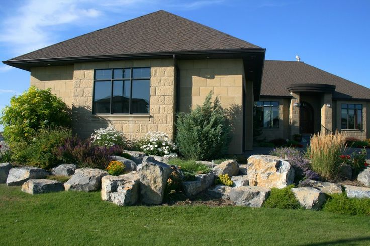 17 best ideas about large landscaping rocks on pinterest for Large landscaping stones