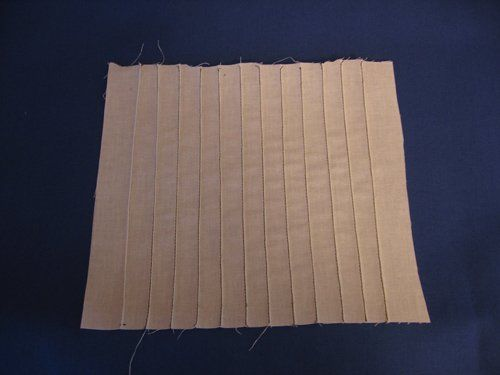 Pintuck tutorial. Wouldn't this be nice a nice detail for a dress made out of simple citron yellow linen?