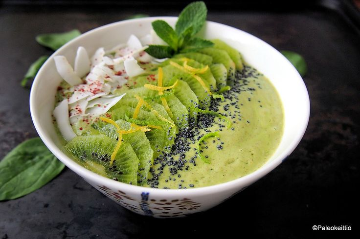 Keväisen raikas smoothie bowl: Mango-lime-minttu   Paleokeittiö