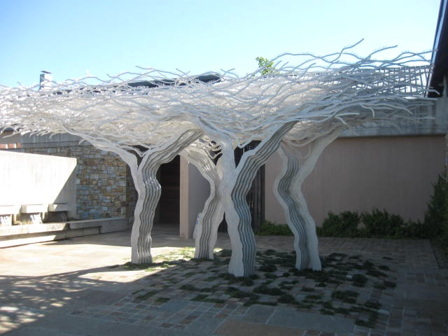 Sculpture at the entrance to Tokara tasting room - Tours du Cap
