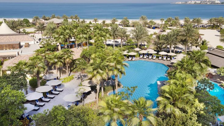 Ultimate Ritz Carlton Resort in Dubai! Experience it for cheap!