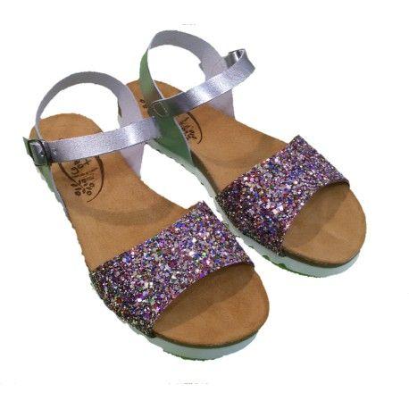 Sandalias bio Sandalias cómodas y divertidas para los días de calor. Zapato divertido y colorido ideal para combinar con todo tipo de estilos y complementos .