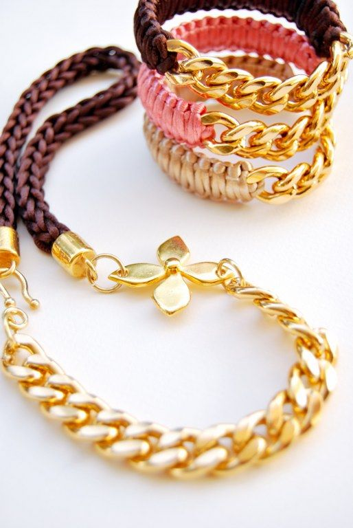 Handmade necklace in several colors!