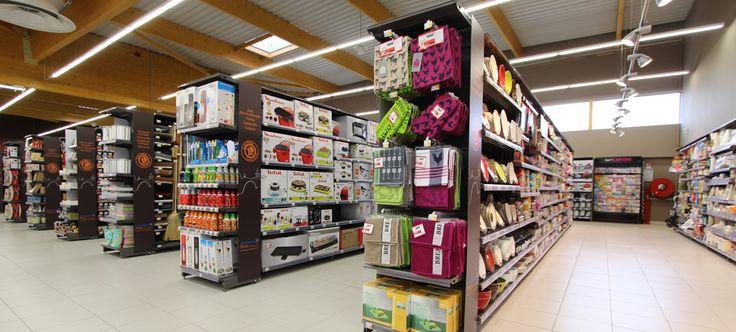 The 25 best gondola shelving ideas on pinterest for Auchan poitiers porte sud