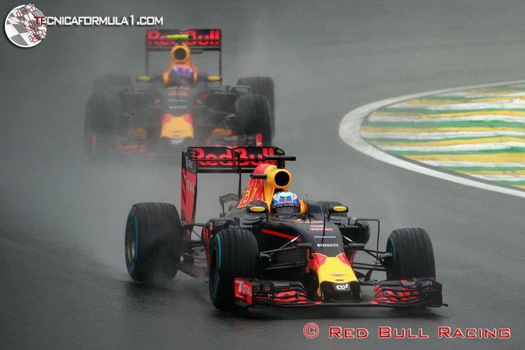 """Lauda: """"Verstappen debe tener cuidado en el camino a la grandeza"""""""