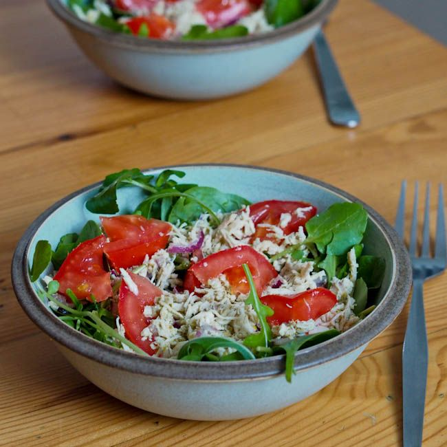 Simple #salad made with pesto, shredded chicken and veggie. Perfect for a light simple no fuss meal #glutenfree