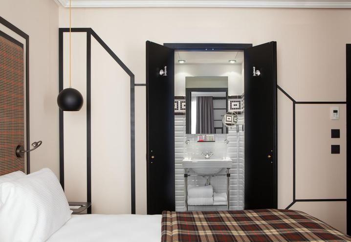 art-deco-hotel-monsieur-paris-bedroom-trompe l'oeil-effect