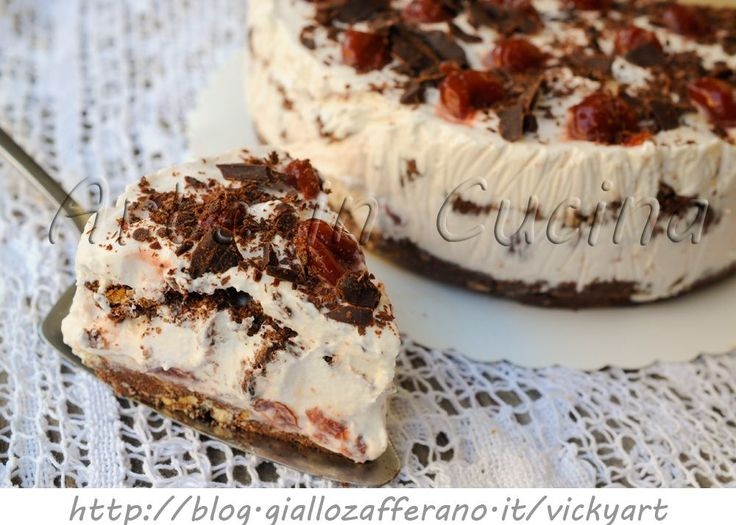 Foresta nera fredda ricetta torta facile, dolce senza forno, ricetta estiva, idea dolce da merenda o per feste e buffet, dolce fresco, cheesecake, torta gelato