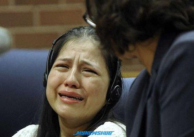 Pengasuh dari neraka bakar kaki dan tangan anak majikan berusia 3 tahun dalam ketuhar dihukum penjara 15 tahun   PENGASUH dari neraka ini Lidia Quilligana 32 yang didakwa membakar tangan dan kaki seorang kanak-kanak berusia tiga tahun dalam ketuhar panas telah dihukum penjara selama 15 tahun.    Pengasuh dari neraka bakar kaki dan tangan anak majikan berusia 3 tahun dalam ketuhar dihukum penjara 15 tahun      Lidia dari Connecticut menerima hukuman berkenaan selepas enam minggu mengaku salah…
