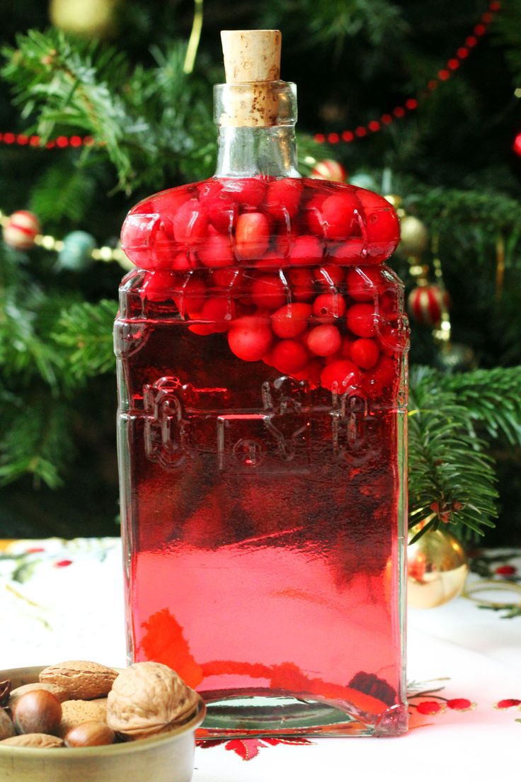 Cranberry-infused gin with grapefruit and star anise