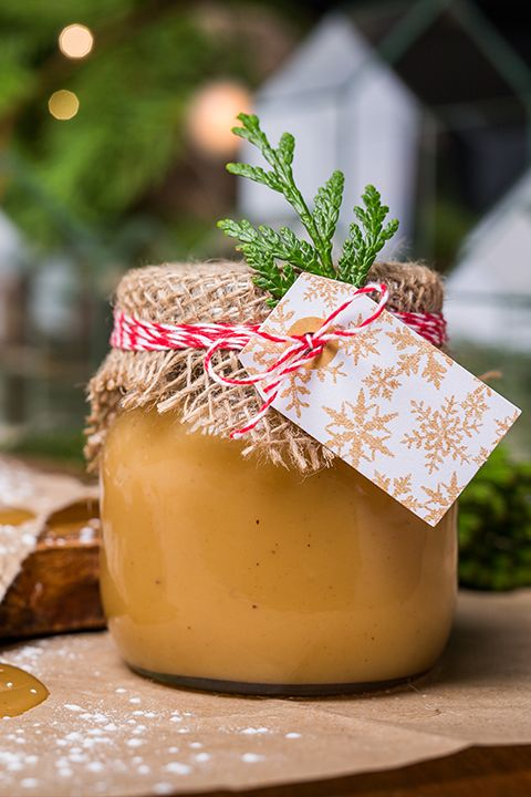 INGREDIENTS BY SAPUTO | Looking for a gourmet recipe idea for a stunning hostess gift? Made with milk, this easy homemade eggnog caramel is just the ticket! Don't forget to keep a jar of this sweet treat for yourself! For a festive touch, add some dark rum.