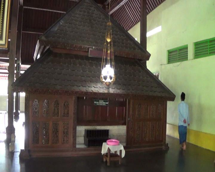 Syeh Maulana Ibrahim Cikal Bakal Wali Songo