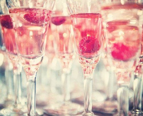 champagne: Champagne Raspberries, Pink Roses, Champagne Pink, Hens Party, Foodie Drinks, Champagne W Raspberries, Champagne Showers