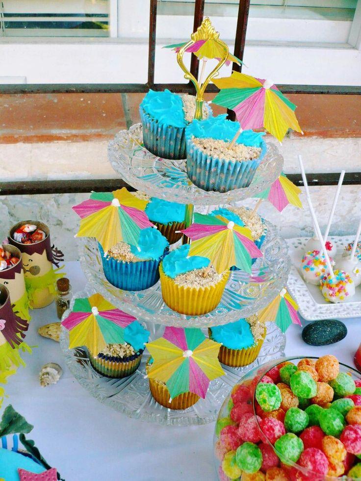 Cupcakes hawaianos!! Party Hawaii. Luau. Fiesta hawaiana.