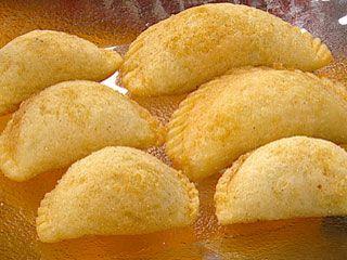Pastel mandi´o (Empanadas de mandioca) | Recetas | foxlife.com teresita benegas ohara