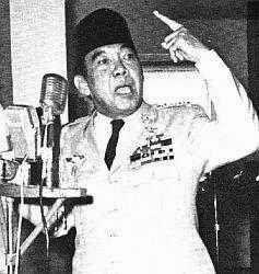 Kecerdikan Soekarno Dalam Mencari Informasi Luar Saat Ketatnya Penjagaan di Penjara Revolusi Ilmiah - Soekarno