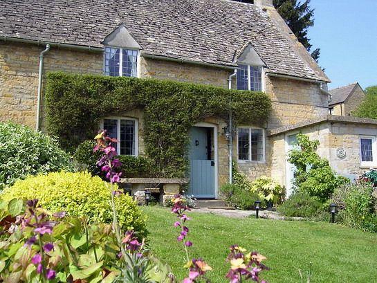 Pi di 25 fantastiche idee su giardini di cottage inglesi for Planimetrie di piccoli cottage