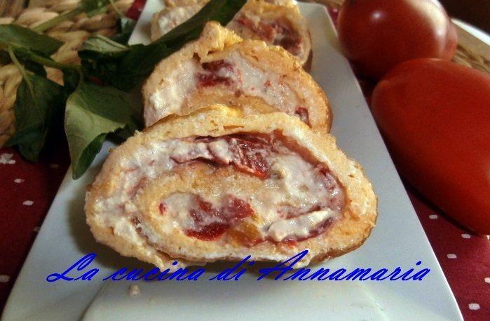 Rotolo di frittata ricotta e peperoni