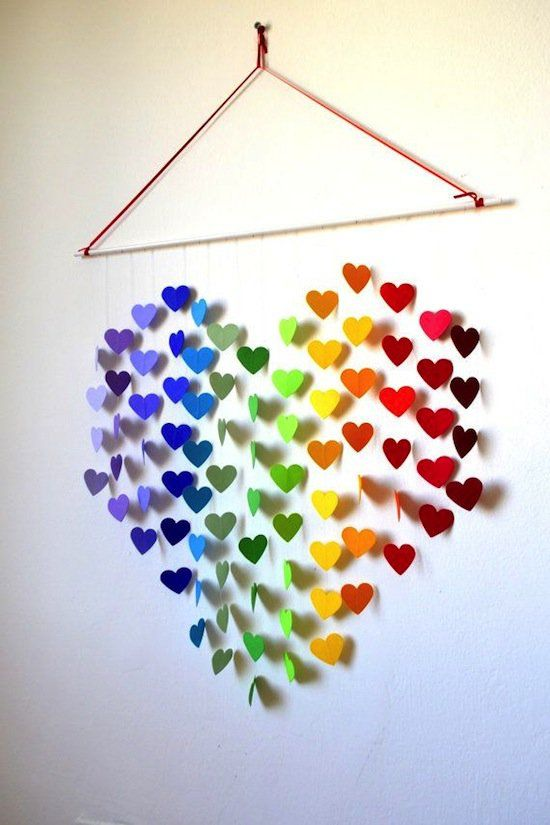 Tutorialous.com | 19 fabulous DO IT YOURSELF wall art ideas for Valentine's!