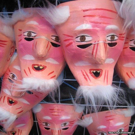 mascara de viejito