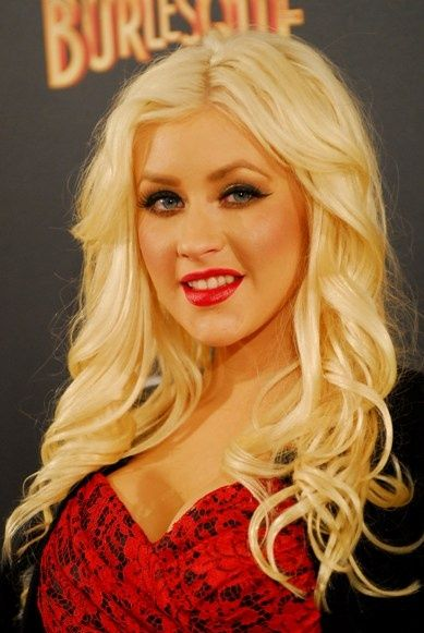 Christina Aguileras blonde Burlesque hairstyles hair-and-beauty