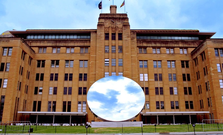 LOOK - Anish Kapoor at the MCA - Two Thousand