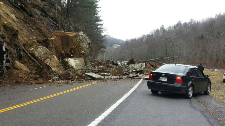 Carter County Sheriff's Office confirmed a rock slide on Highway 19E near the Tennessee/North Carolina state line.