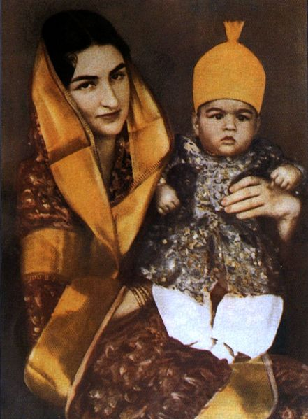 1934 First official photograph of Asaf Jah VIII, with his mother Dürrühshehvar, daughter of the last Ottoman caliph. He would have become Nizam of Hyderabad after the death of his grandfather Asaf Jah VII. He instead operated a sheep station in Western Australia
