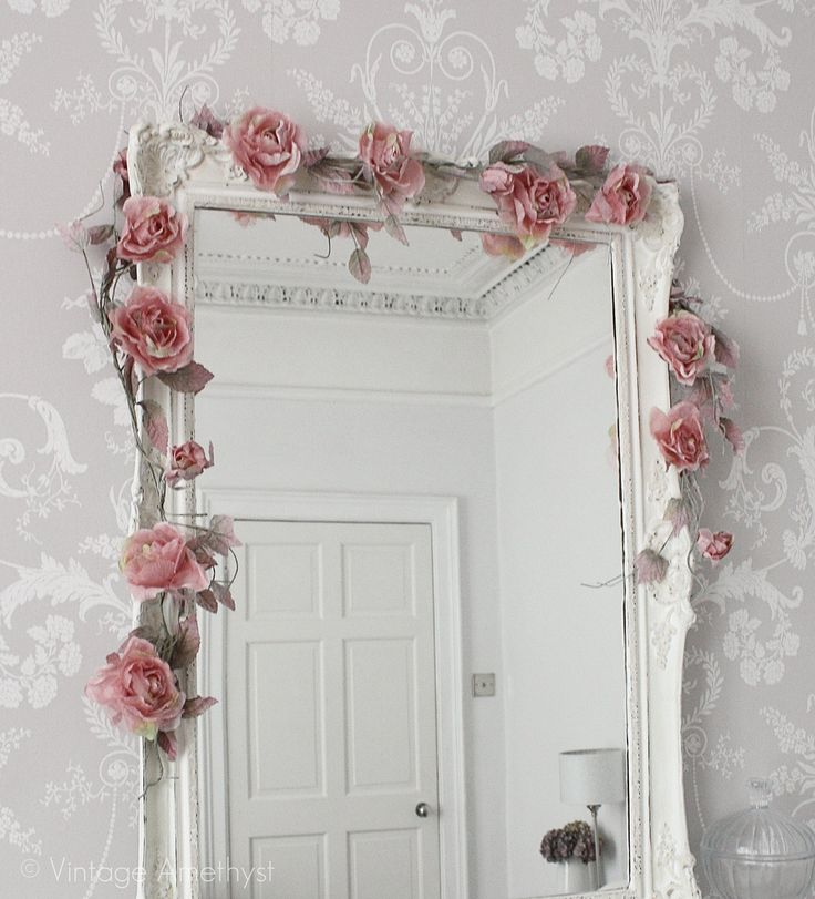 Romantic Mirror Decoration:
