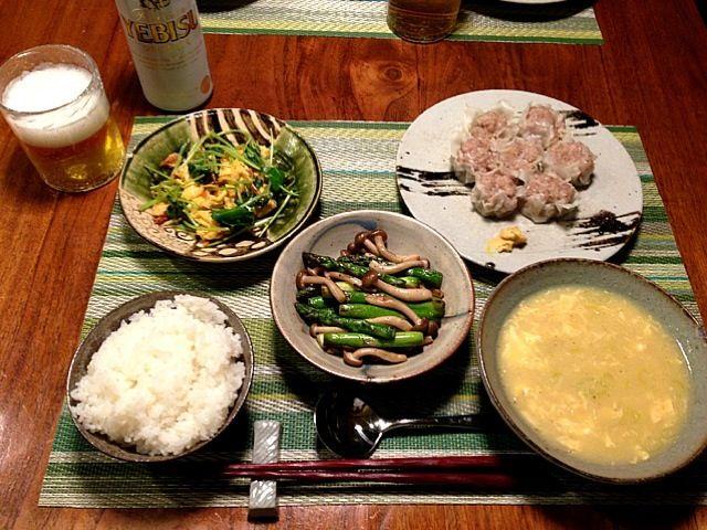 シュウマイ アスパラとブナしめじの塩炒め 桜海老と三つ葉の卵焼き 中華風コーンスープ シルクエビス - 17件のもぐもぐ - シュウマイ  アスパラの炒めもの by 日々のごはん