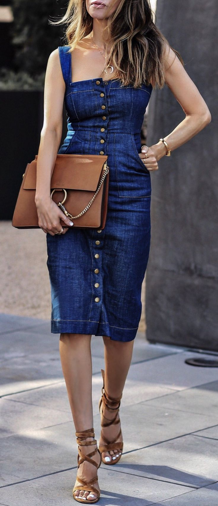 I used to have this same dress!!!!!! I need it back!!!!!   #summer #outfits  OOTD #denim  Navy Midi Dress + Brown Clutch Bag + Brown Sandals