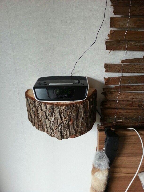 Nachtkastje van blok hout :)