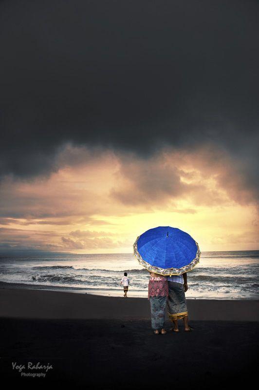 Storm Will Come by Yoga Raharja, Gianyar regency, Bali, Indonesia 2011 #umbrella #Bali #storm #weather #beach