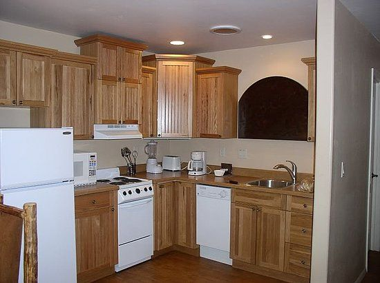 Kitchen Remodel With White Appliances: Brown Kitchen With White Appliances