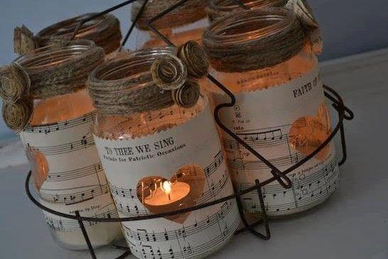 Theelichthouders van glazen potten
