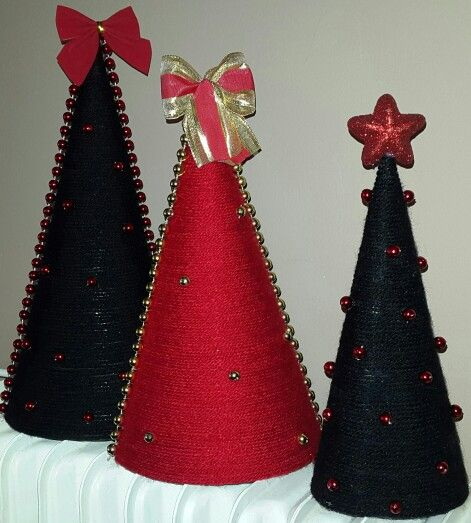 Black n Red Christmas Tree Cone