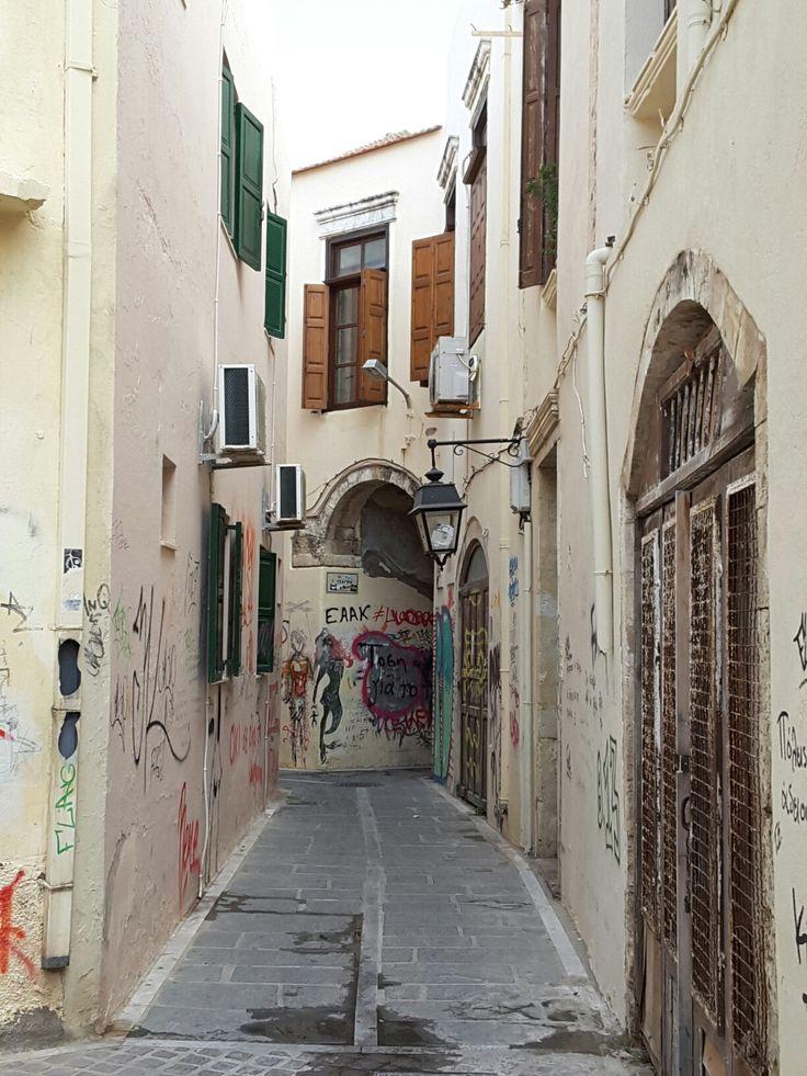 Crete urban graffiti улица город Ретимно Rethymno Crete