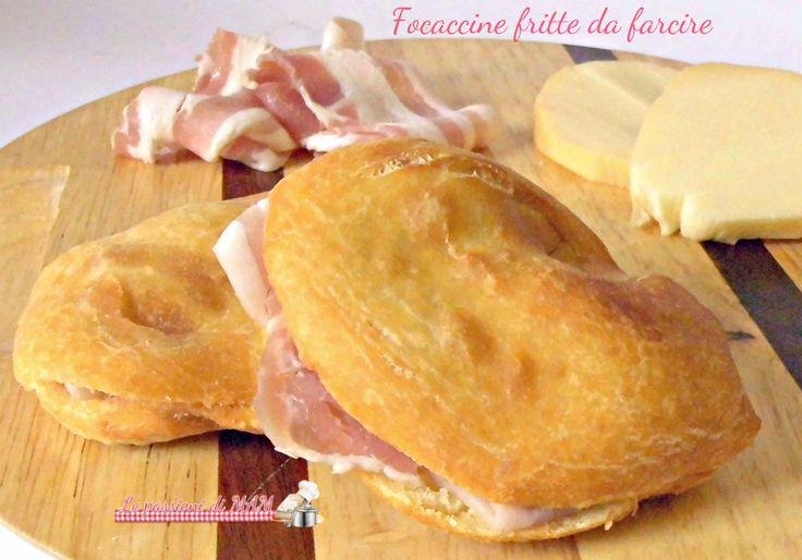Focaccine fritte da farcire con salumi e formaggi o con verdure, ricetta con lievito madre o lievito di birra, con le patate nell'impasto.
