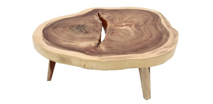 Fabriqué avec un seul bloc de bois d'acacia, cette table basse a été conçu sur la base des caractéristiques uniques du bois. L'une des caractéristiques distinctives de cette pièce est le contraste créé à partir de l'aubier de couleur très léger et le bois de cœur sombre et joliment grainé. Combinez cela avec quelques imperfections naturelles et vous obtenez cette belle pièce en bois massif d'acacia.